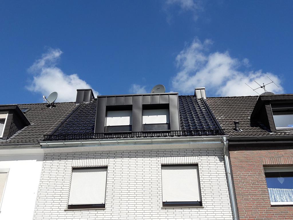 Dach12